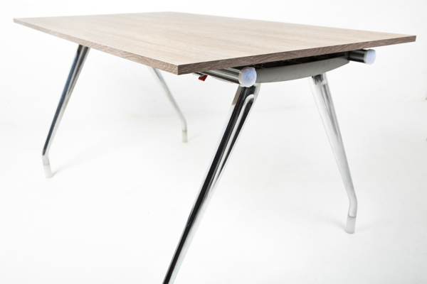 Cheap office desks that are high quality: Herman Miller desk
